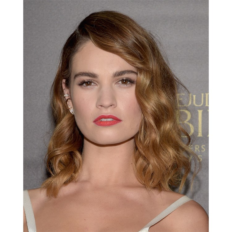 Yeni stil ikonu: Lily James